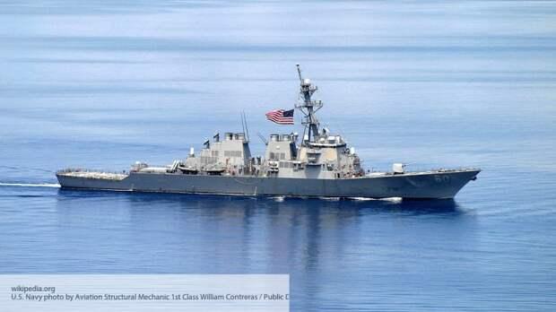 Sohu: маневр крейсера «Москва» вынудил корабль США в спешке покидать Черное море