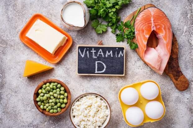 Почему витамина D не хватает даже летом, разъяснила врач