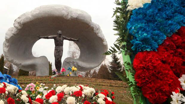 Чернобыль как история любви. Зачем в модном фильме убили героев, которые живы до сих пор?
