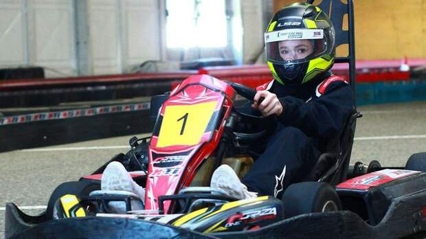 Валиева выложила фото в автомобильном шлеме за рулем карта: «Моя новая страсть. Обожаю машины»