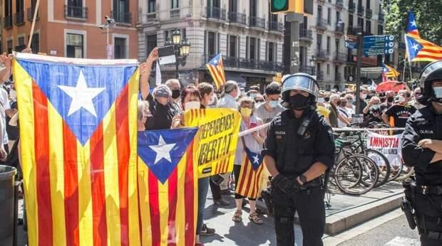 Мадриду не удалось «повесить» референдум в Каталонии на Россию