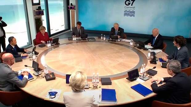 """Страны G7 призвали Россию прекратить """"дестабилизирующее поведение"""""""