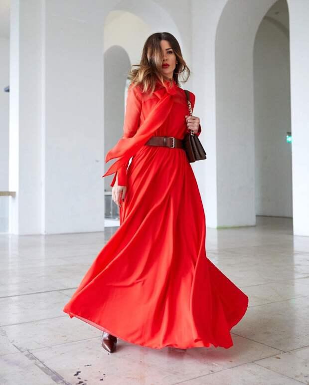 15 беспроигрышных примеров как стильно носить красное платье весной