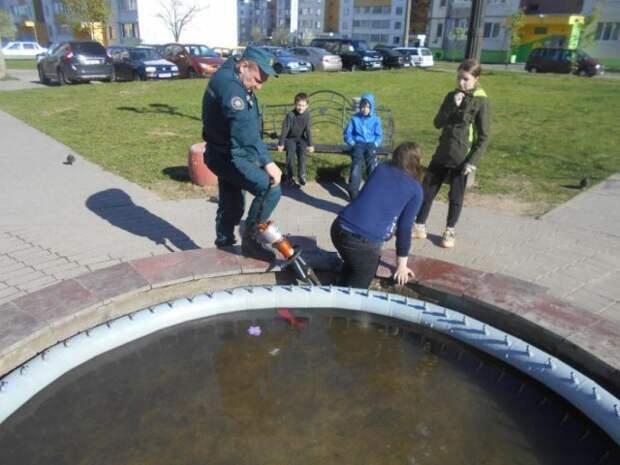 В Бобруйске помощь спасателей понадобилась 11-летней девочке.