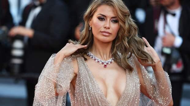 Бывшая жена Мамаева обвинила Боню в сводничестве. Виктория дала футболисту номер телефона своей знакомой