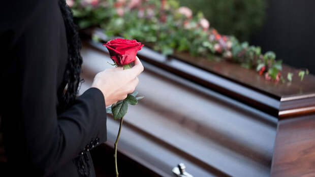 Похороны погибших при стрельбе в казанской школе пройдут 12 мая