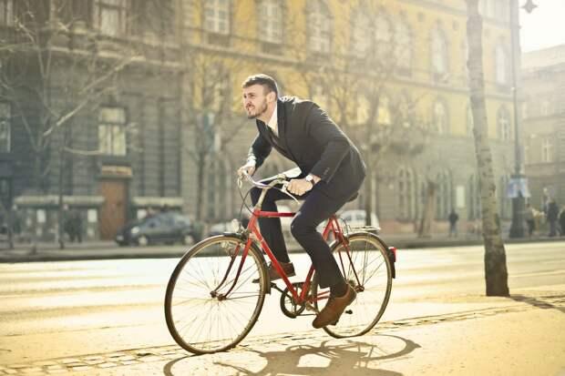 Демидов хочет пересадить симферопольцев на автобусы и велосипеды