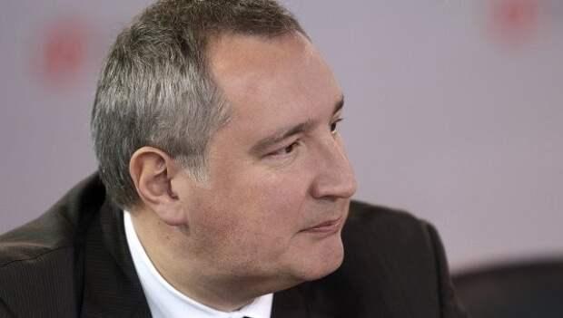 Рогозин оплатил каски и бронежилеты для журналистов на Украине