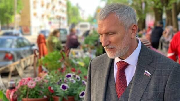 Журавлев рассказал о мерах против загрязнений водоемов и рек в Псковской области