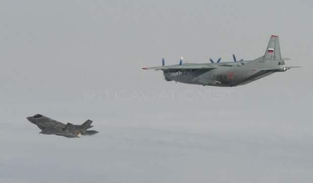 Истребитель ВВС Италии F-35 решился на исторический перехват Ан-12 ВКС РФ и был высмеян
