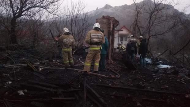 В Краснокаменке на пожаре погибли мужчина и трое собак