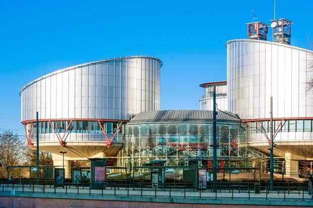 ЕСПЧ потребовал от Латвии и Польши обеспечить мигрантов из Белоруссии жильем