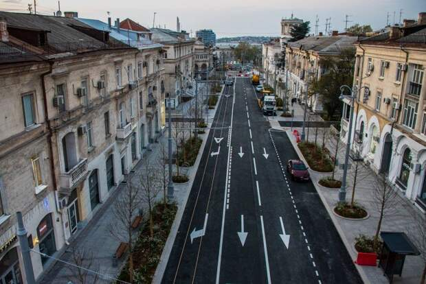 Большую Морскую улицу в Севастополе открывают для транспорта