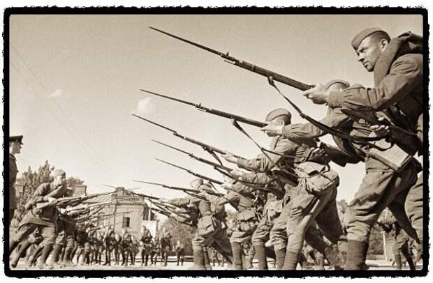 Что исторически в бою делали только русские солдаты?