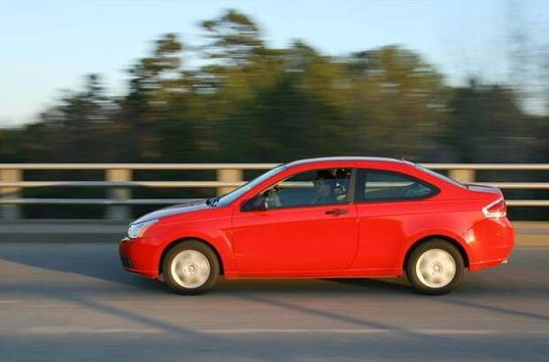16. В Миннеаполисе, штат Миннесота, запрещено ездить в красных машинах по главной улице города. абсурдные законы, законы сша, сша