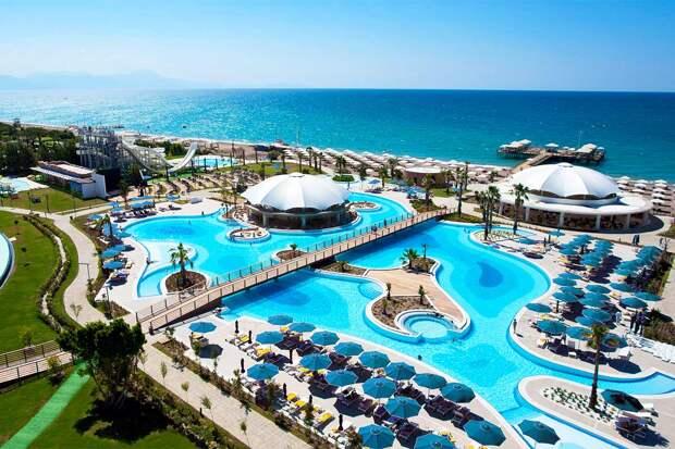 «Отдых испорчен»: туристы рассказали, что творится на турецких курортах