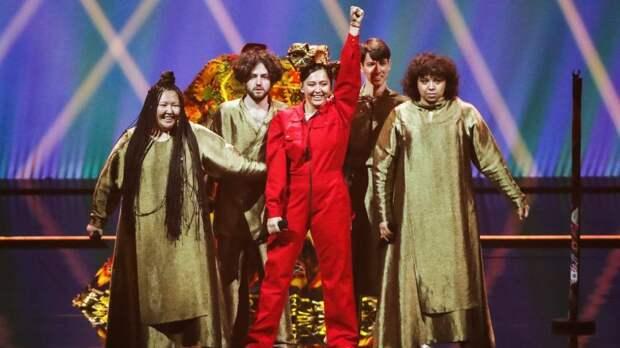 Встали ипошли! Manizha игруппа поддержки выехали наполуфинал «Евровидения»