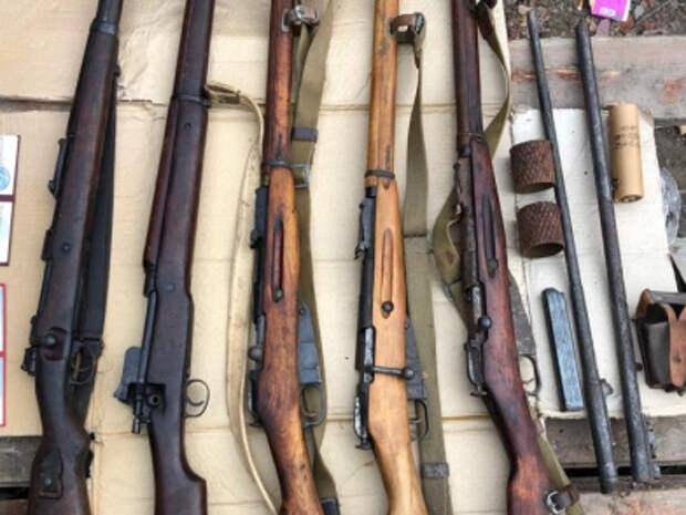 Полиция изъяла у Симферопольца оружие и боеприпасы времен Второй мировой войны