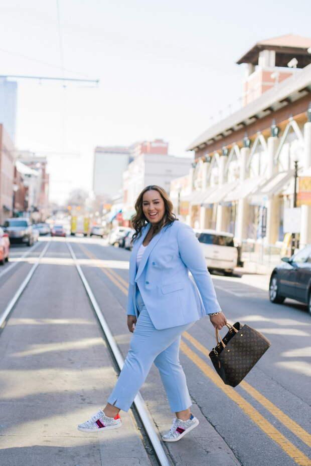 Модная одежда для пышечек - что носить летом 2019-2020, не стесняясь своих выдающихся достоинств