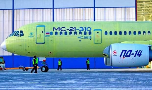 Министр рассказал о заказах на новейший авиалайнер МС-21