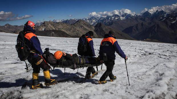 Альпиниста из Ставрополья эвакуировали со склона Эльбруса