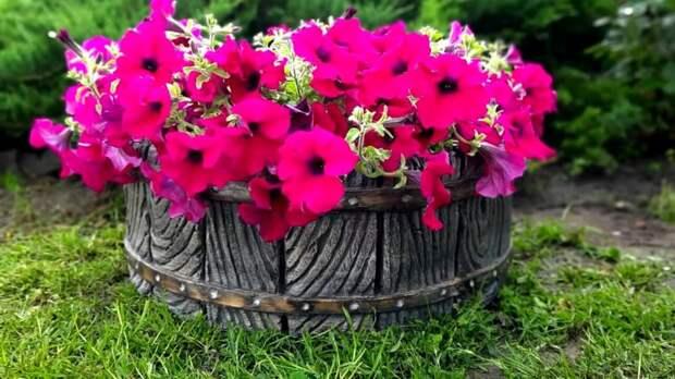 Роскошный декор в сад! Секрет создания цементного кашпо «Бочонок»