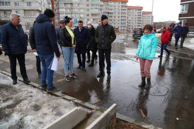 В Ижевске обновили ливнёвку во дворах на улице Советской у стадиона «Зенит»