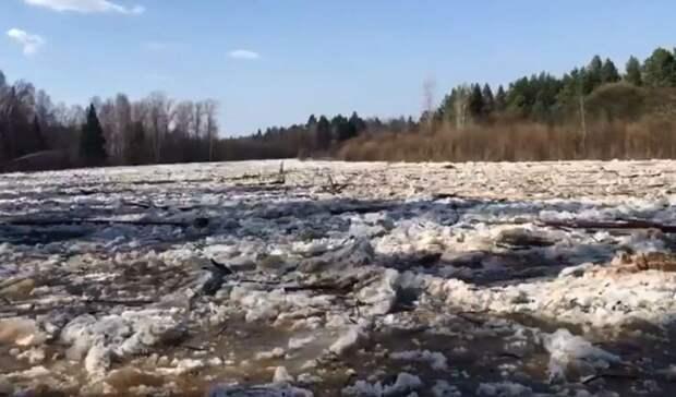 Затор в 7 км ликвидировали на реке Кильмезь в Удмуртии