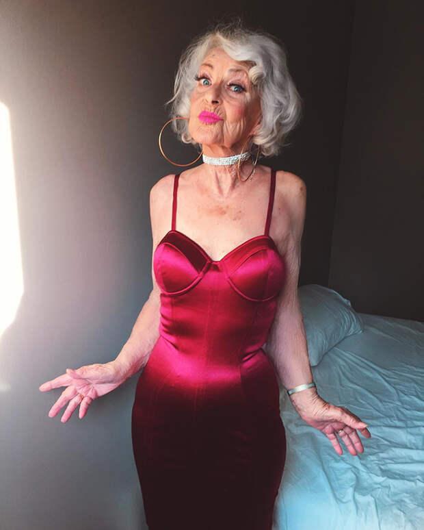 Эта 90-летняя старушка показывает, что на пенсии жизнь только начинается!