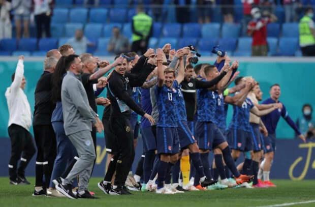 ЧЕ по футболу - Словакия неожиданно переиграла Польше