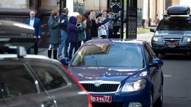 Россия и Чехия взаимно высылают дипломатов. Чем может обернуться конфликт?