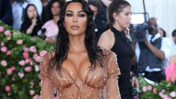 Ким Кардашьян раскрыла секрет знаменитого «мокрого» платья, и услышанное вызвало у фанатов шок