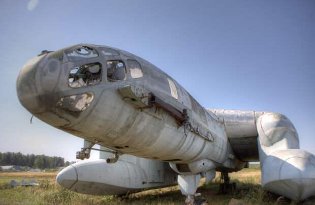 Уникальный амфибия-экранолет в музее ВВС в Монино.