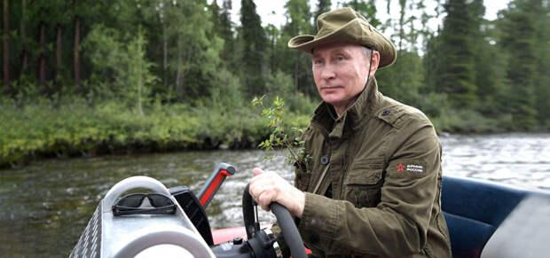 Путин назвал длинные майские праздники оправданными