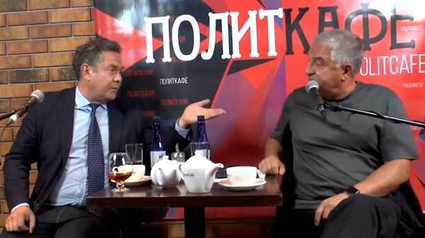 Чиновники боятся Платошкина как огня и ему приходится довольствоваться дебатами с отставными сенаторами, вроде Тарло