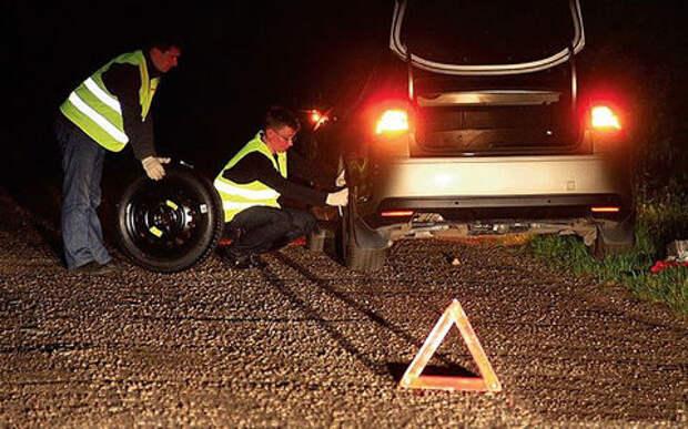 Водителей обяжут носить световозвращающие жилеты