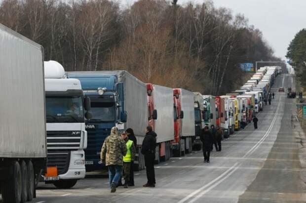 Иностранные грузовики с неоплаченными штрафами не выпустят с территории РФ