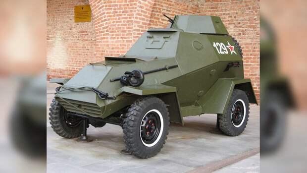 В Новосибирске восстановили броневик времен ВОВ