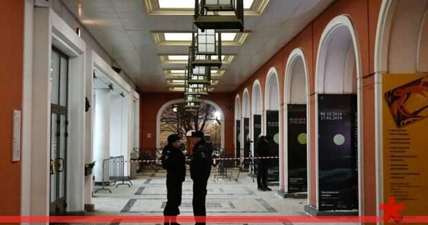 Вместе с «Ай-Петри» из гардероба Третьяковки пропала чья-то шуба, все музеи РФ проверят на безопасность