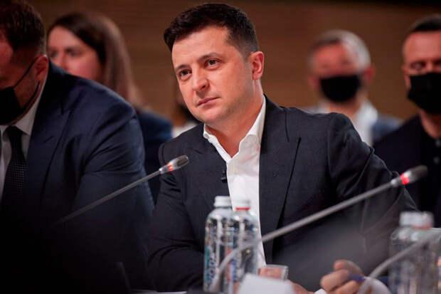 Зеленский пожаловался в интервью, что его не соединили с Путиным