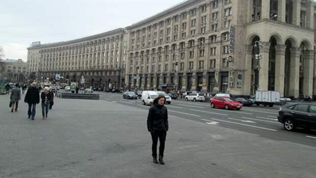 Русскоговорящая сотрудница почты довела украинца до истерики