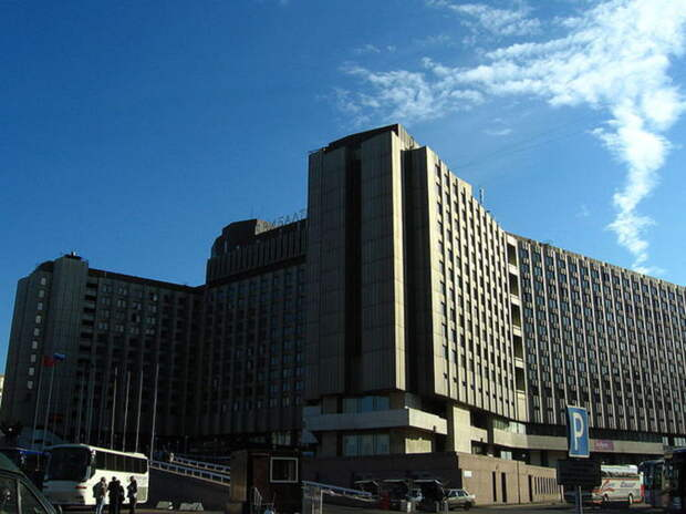 Роспотребнадзор отправил на карантин в Петербурге 25 туристов из Индии