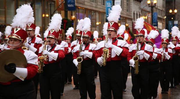 Марш как музыкальный жанр тоже возник благодаря боевому трансу