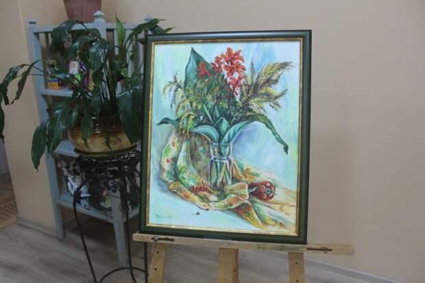 А началось с рисунков на обоях: уникальная выставка картин открылась в Уссурийске