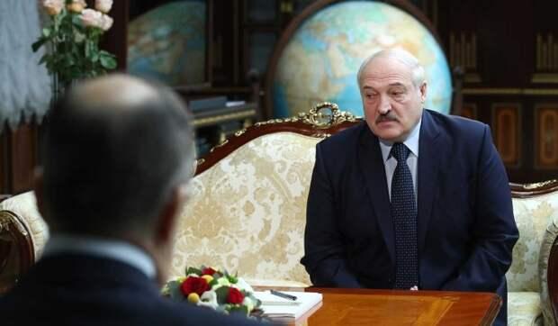 Эксперт о поведении Лукашенко на встрече с Лавровым: Слушал с трясущимися руками