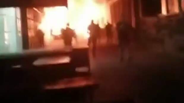 Причину крупного пожара нарынке «Изумруд» назвали вШахтах