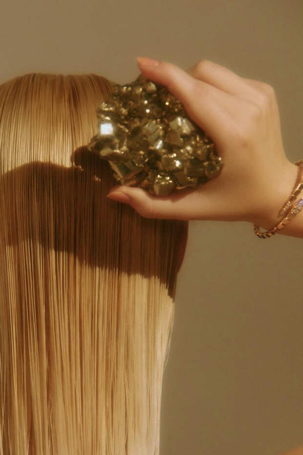 24 лучших средства года для волос по версии Glamour...