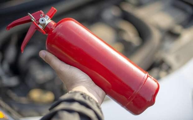 Проверено «За рулем»: порошковые огнетушители