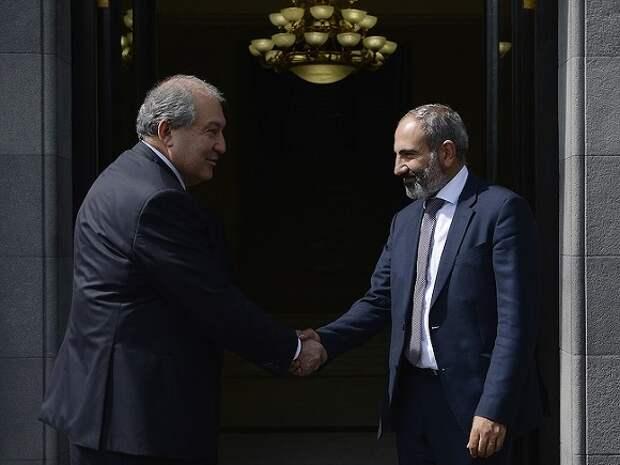 Президент Армении «не поддержал» Пашиняна и отказался увольнять главу Генштаба