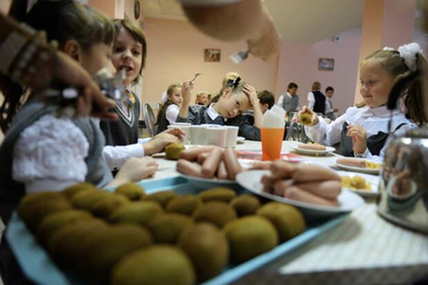 Директриса уличила школьников в краже булочек и попросила их не быть «быдлом»